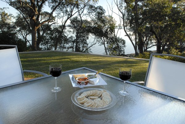 by-the-beach-bnb-sanctuary-point-cheese-and-wine