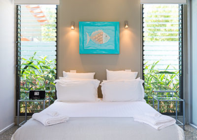 by-the-beach-bnb-sanctuary-point-villa-bedroom