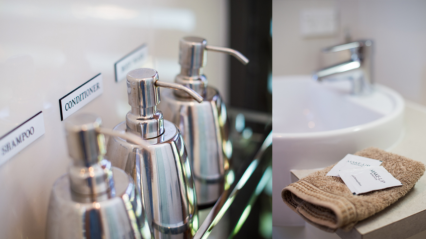 by-the-beach-bnb-sanctuary-point-luxury-accommodation-toiletries